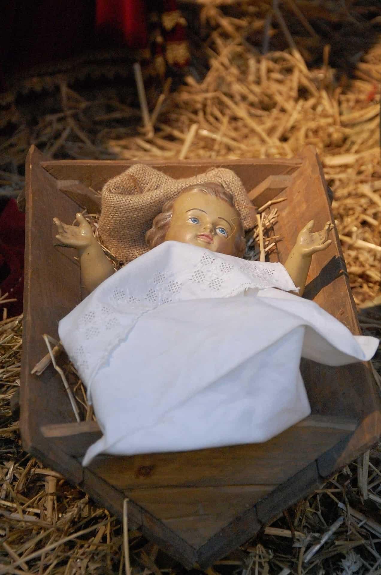 baby Jesus statue in manger