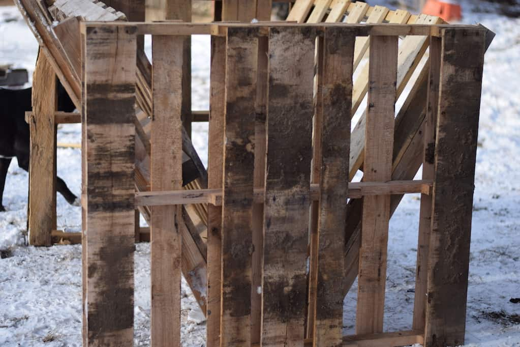 side view of the pallet used on the goat feeder