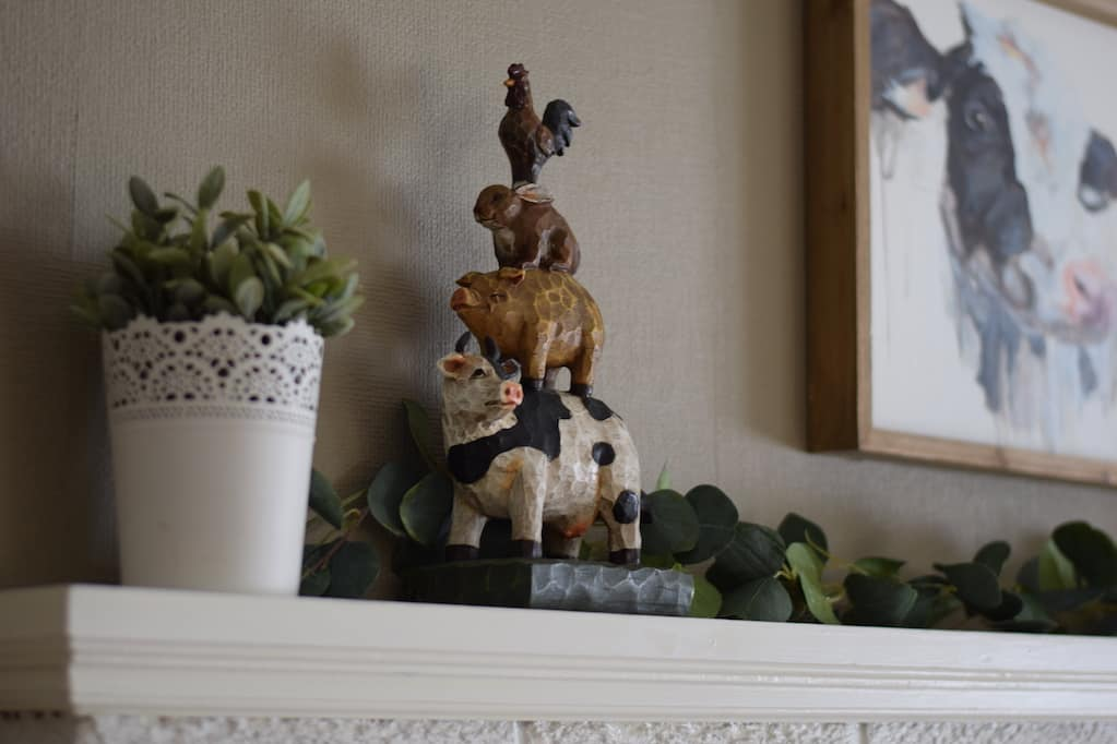 decorating a farmhouse mantle