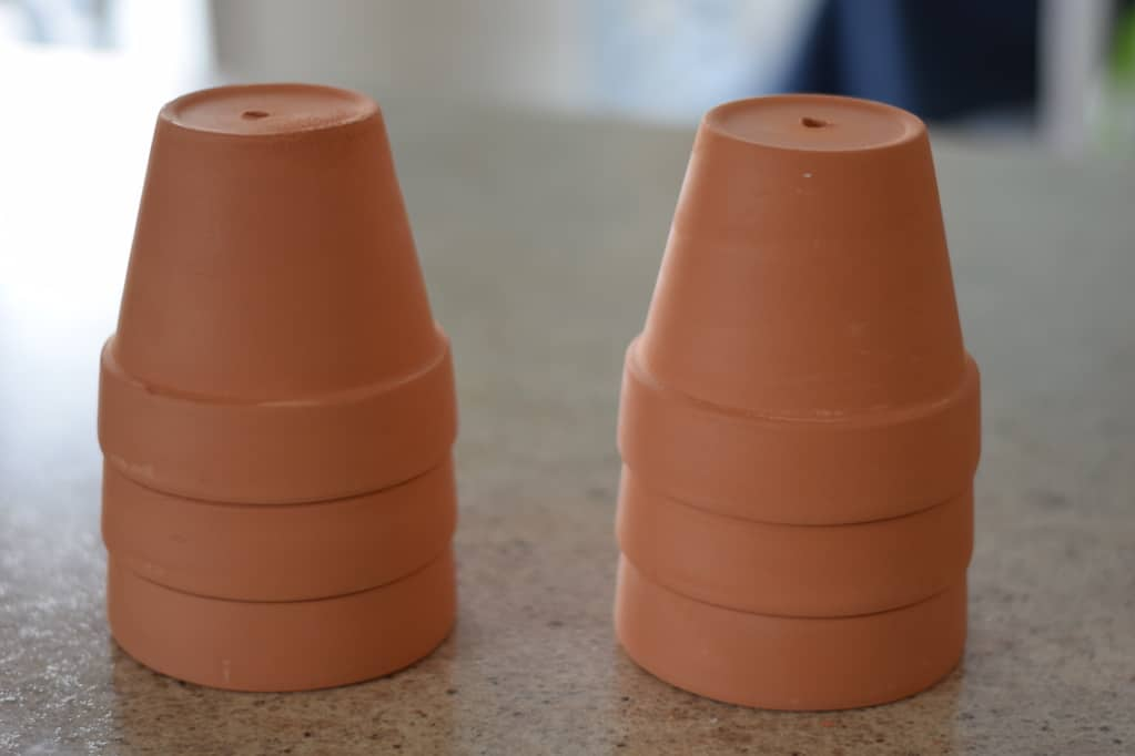 unpainted terra cotta pots for the rustic herb planters