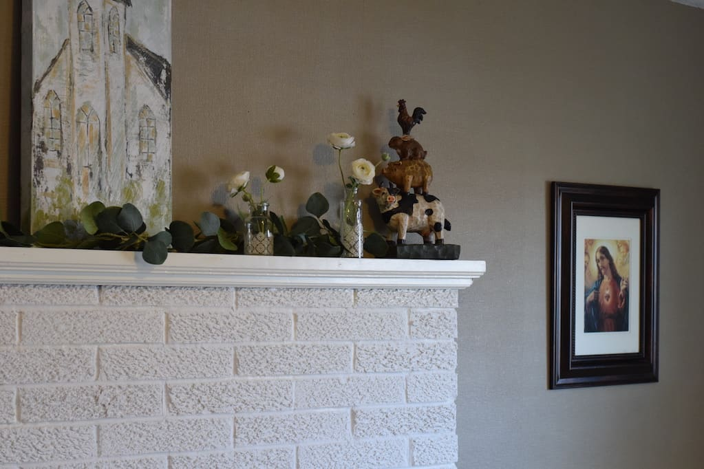 right side view of the Decor for a Farmhouse Spring Mantel