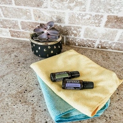 10 Homemade Cleaning Products with Essential Oils