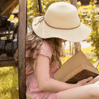 21 Best Homesteading Books, E-Books, and Printables