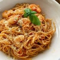 Roasted tomato and prawn pasta