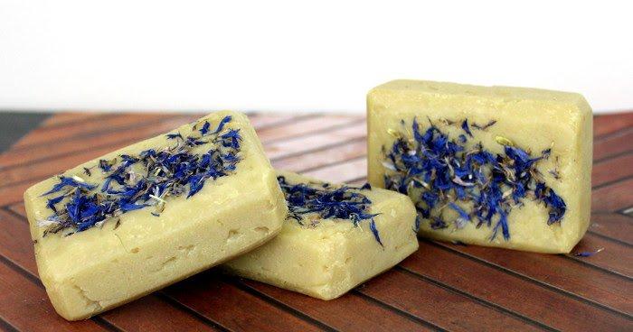 Basic Bastille Soap Recipe with Essential Oils