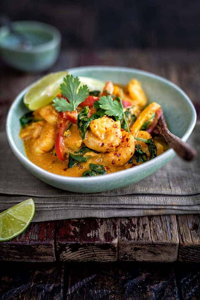 Quick and easy curried prawns - Supergolden Bakes