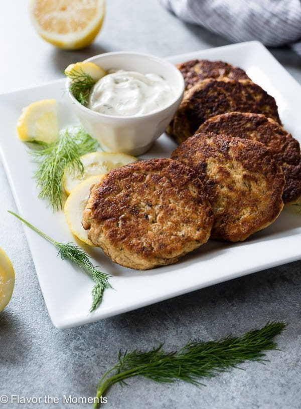 Crispy Salmon Cakes with Lemon Dill Sauce
