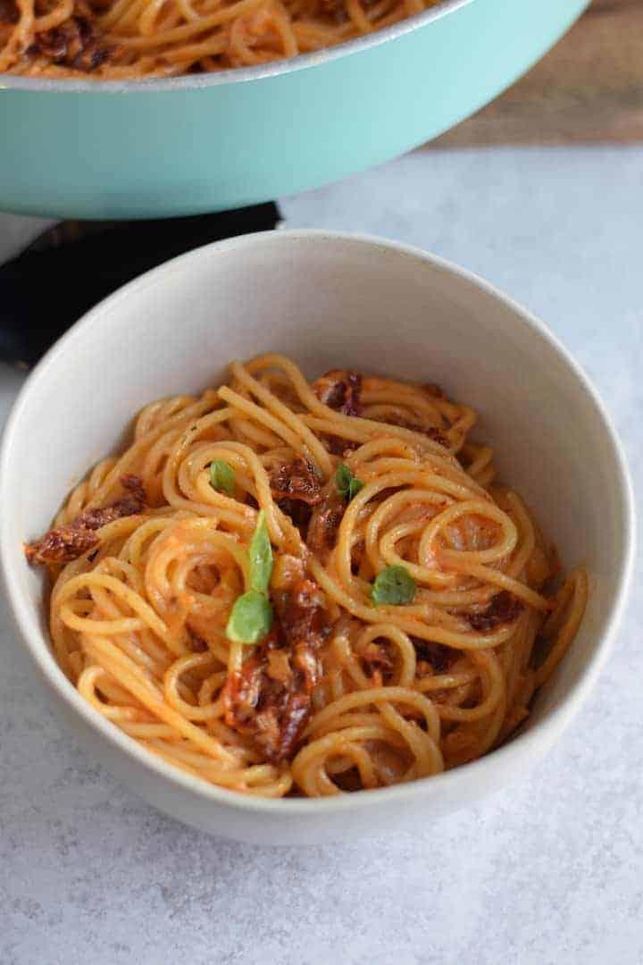 spaghetti with sun dried tomato cream sauce