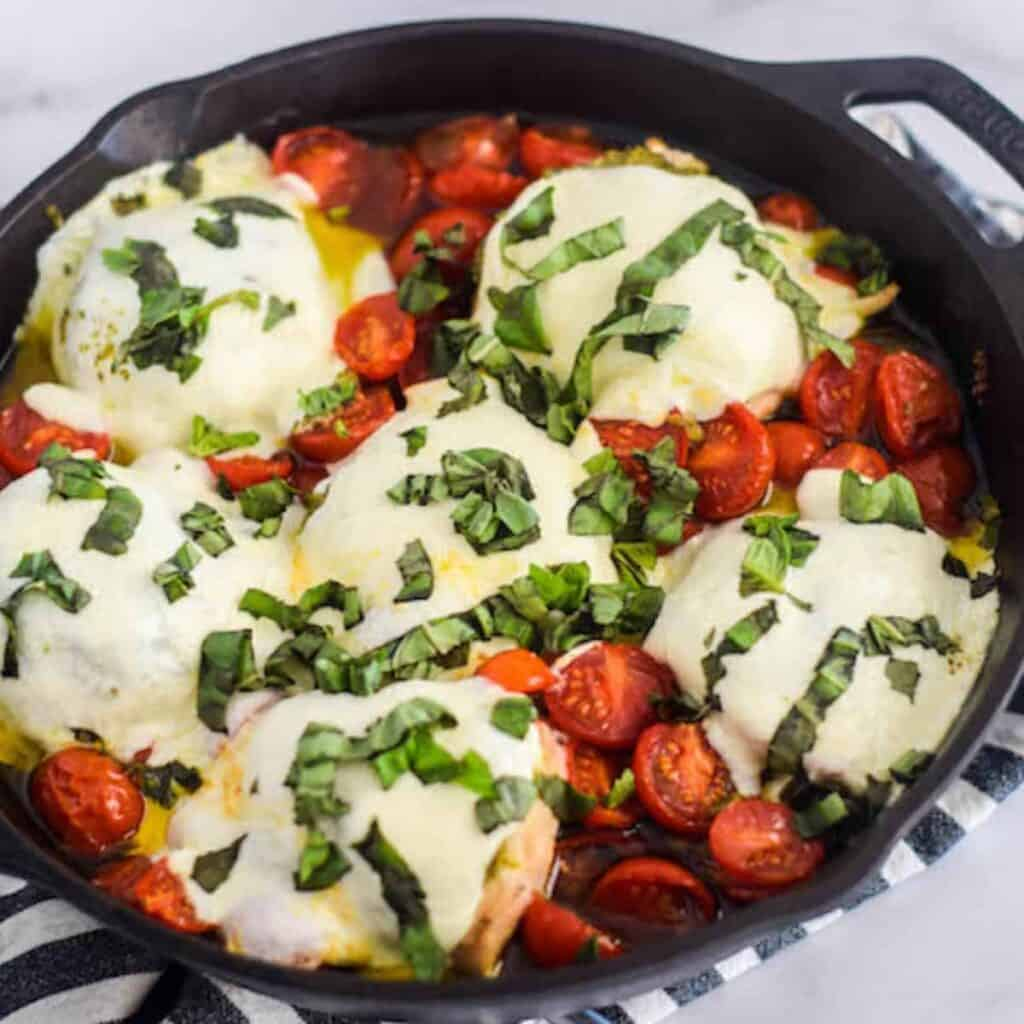 skillet chicken caprese in cast iron