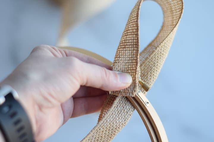 stop one of creating burlap hoop